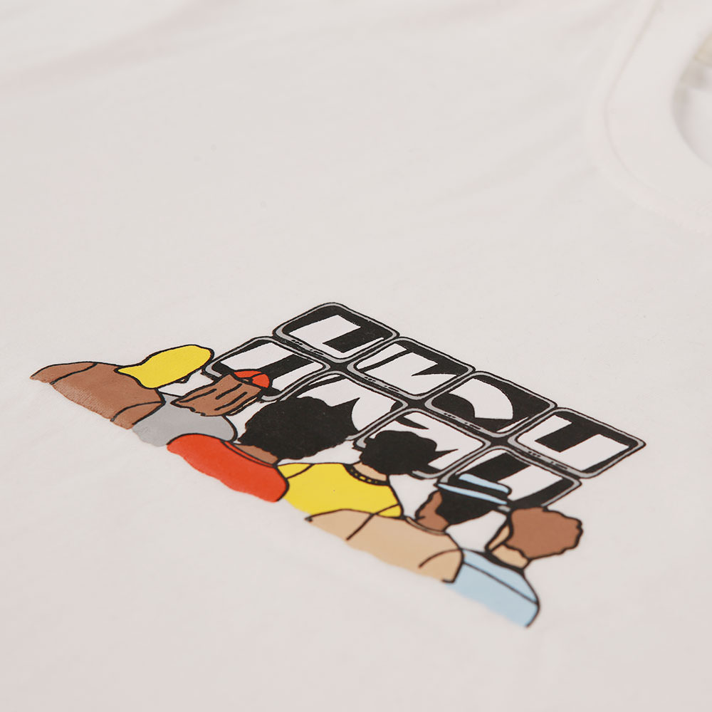 Tee_Crowd_White