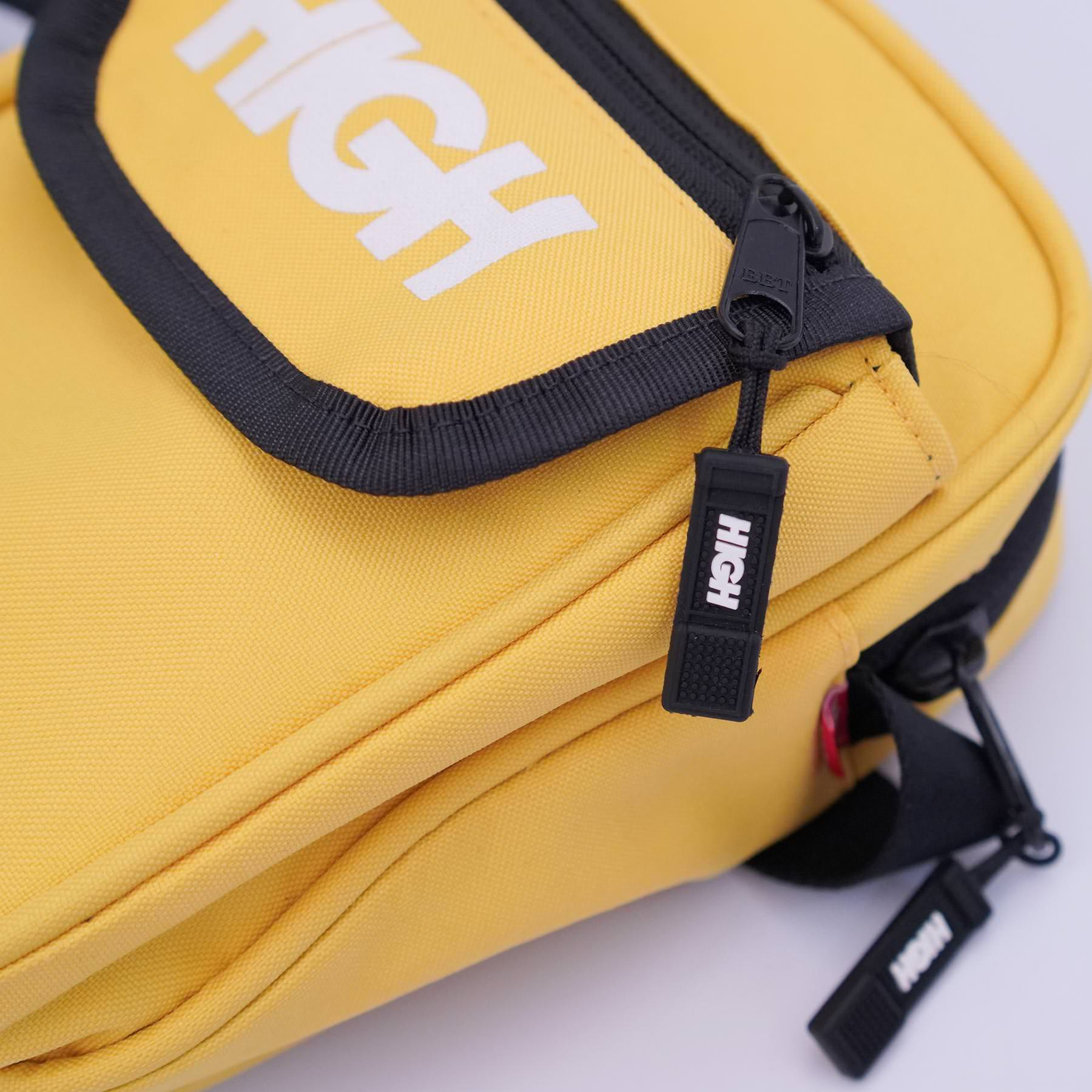 Small_Shoulder_Bag_Yellow