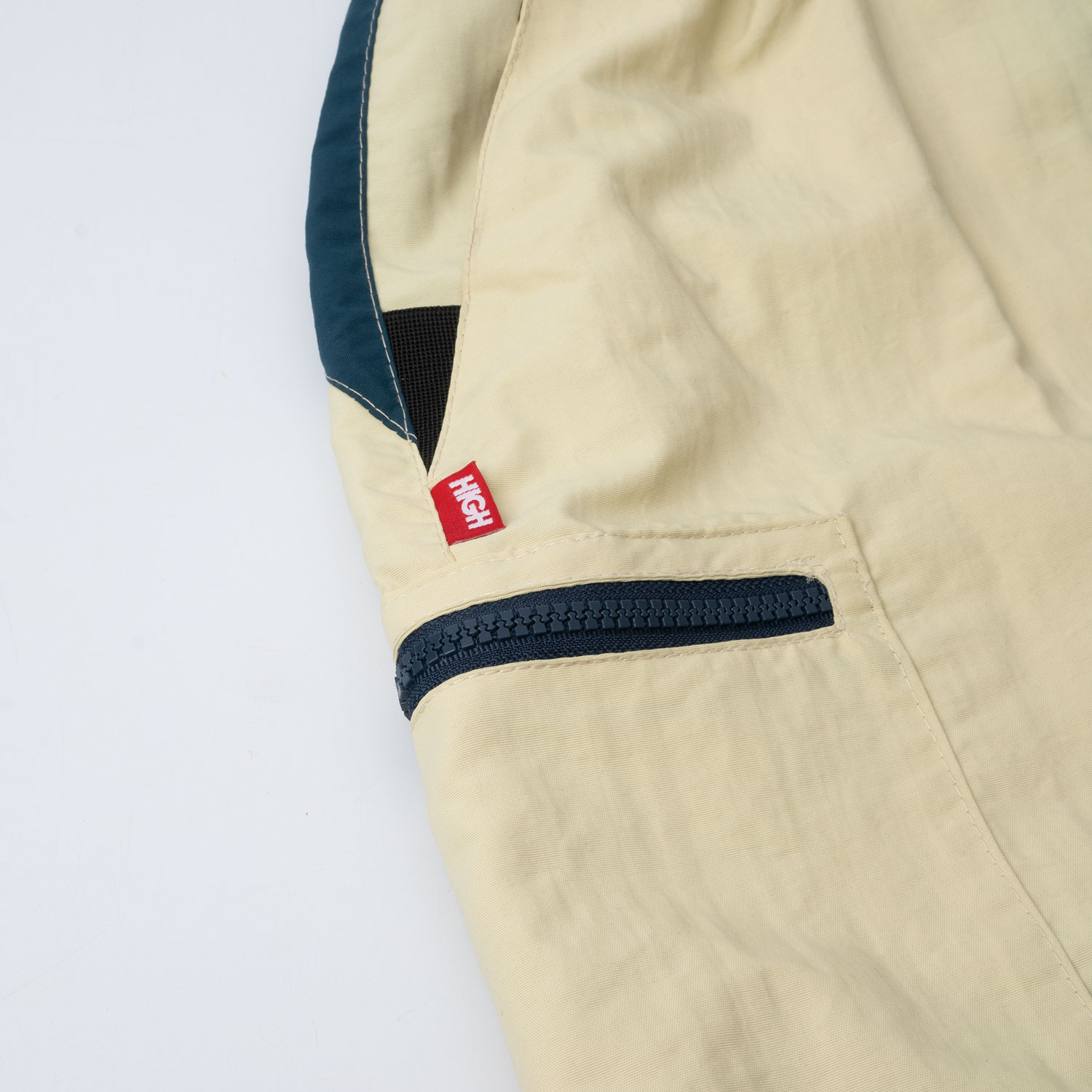 Sport_Cargo_Shorts_Beige_NightGreen